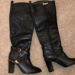 New Tory Burch boots black $550 5.5 gold leather